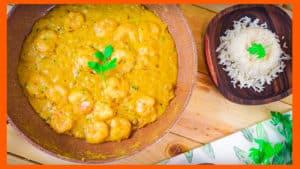 Gambas al Curry con Crema de Cacahuete