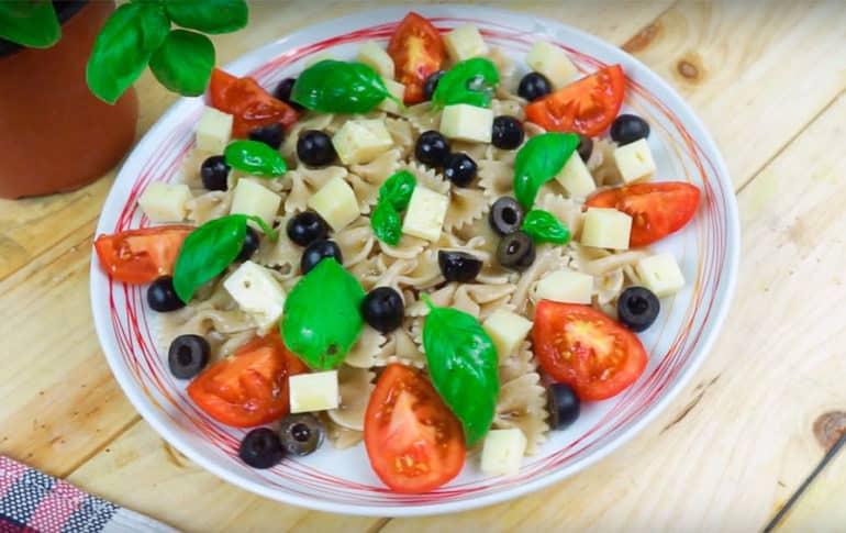 Ensalada de Pasta Integral estilo Caprese