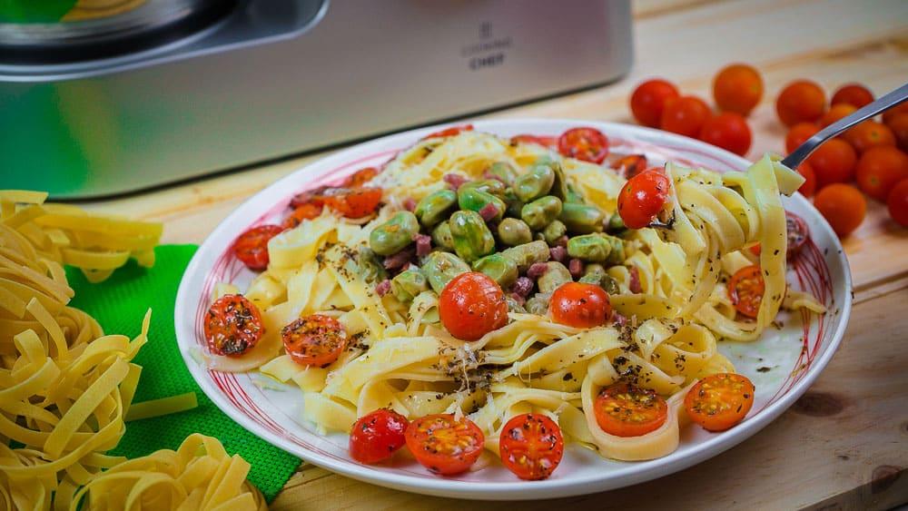 Habas Tiernas con Pasta fresca y Jamón con Cooking Chef de Kenwood