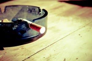 Consejos para acabar con el olor del tabaco en tu casa