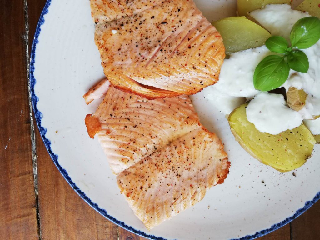 salmon-plancha-tzatziqui