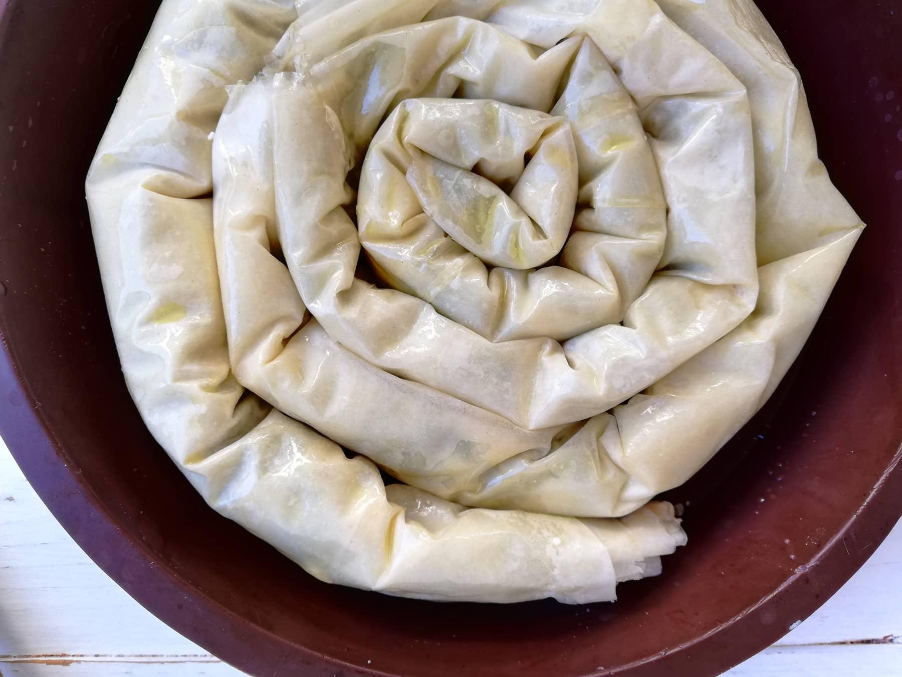 Spanakopita o pastel griego de queso feta y espinacas