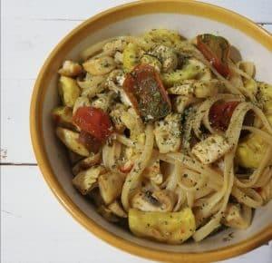 Pasta con verduras a la cúrcuma