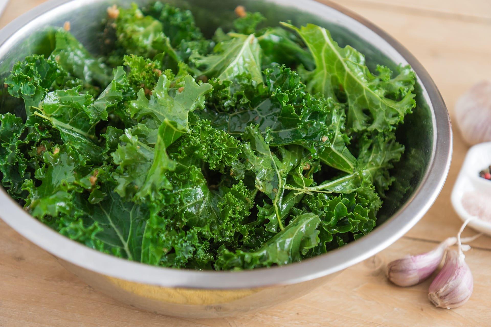 Col rizada o Kale: Descubre todos los beneficios de este superalimento