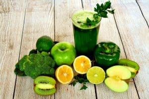 Seis alimentos para prevenir la aparicion de caries y cuidar nuestras encias