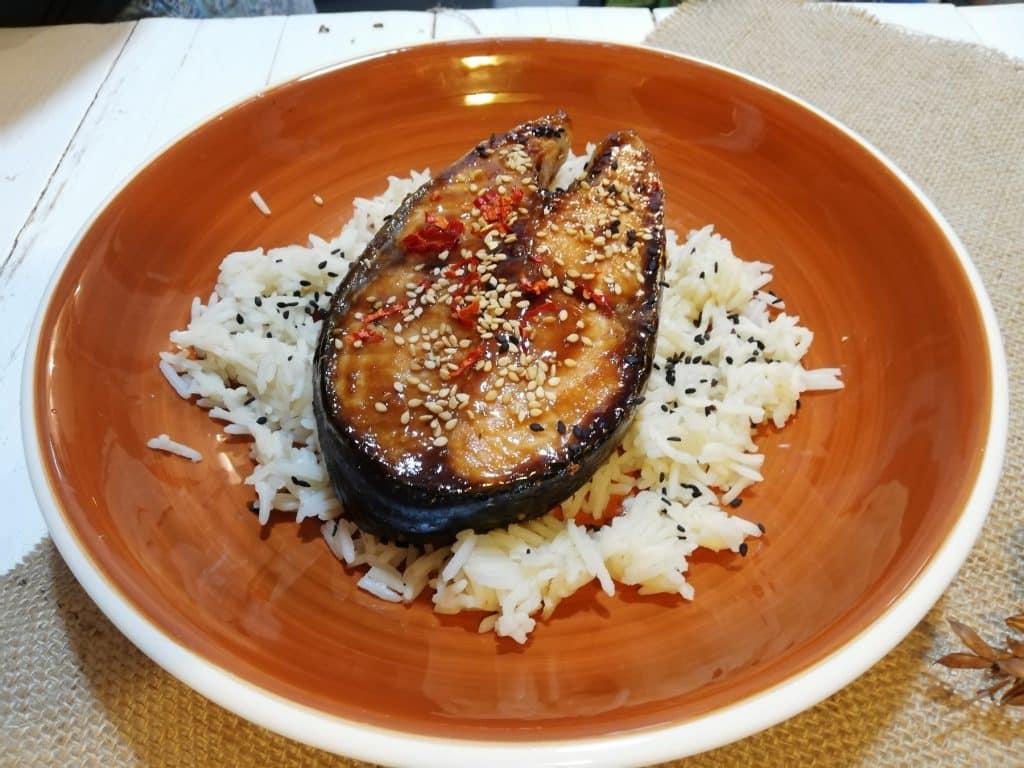 Filete de salmón con salsa teriyaki