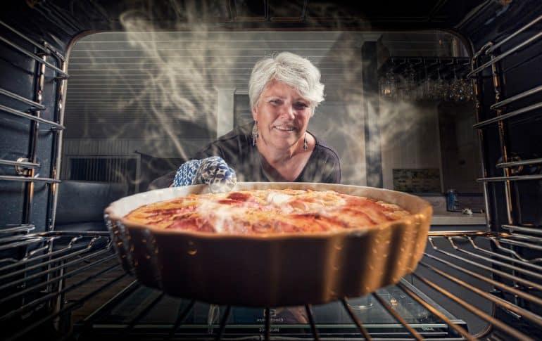 Conoce las cinco ventajas y beneficios de cocinar tus platos al horno