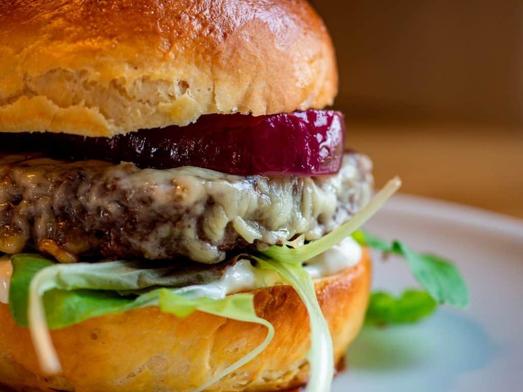 ¿Por qué la comida basura favorece la depresión?