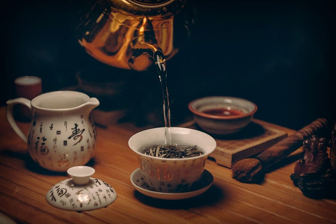 Tomar té azul o té oolong