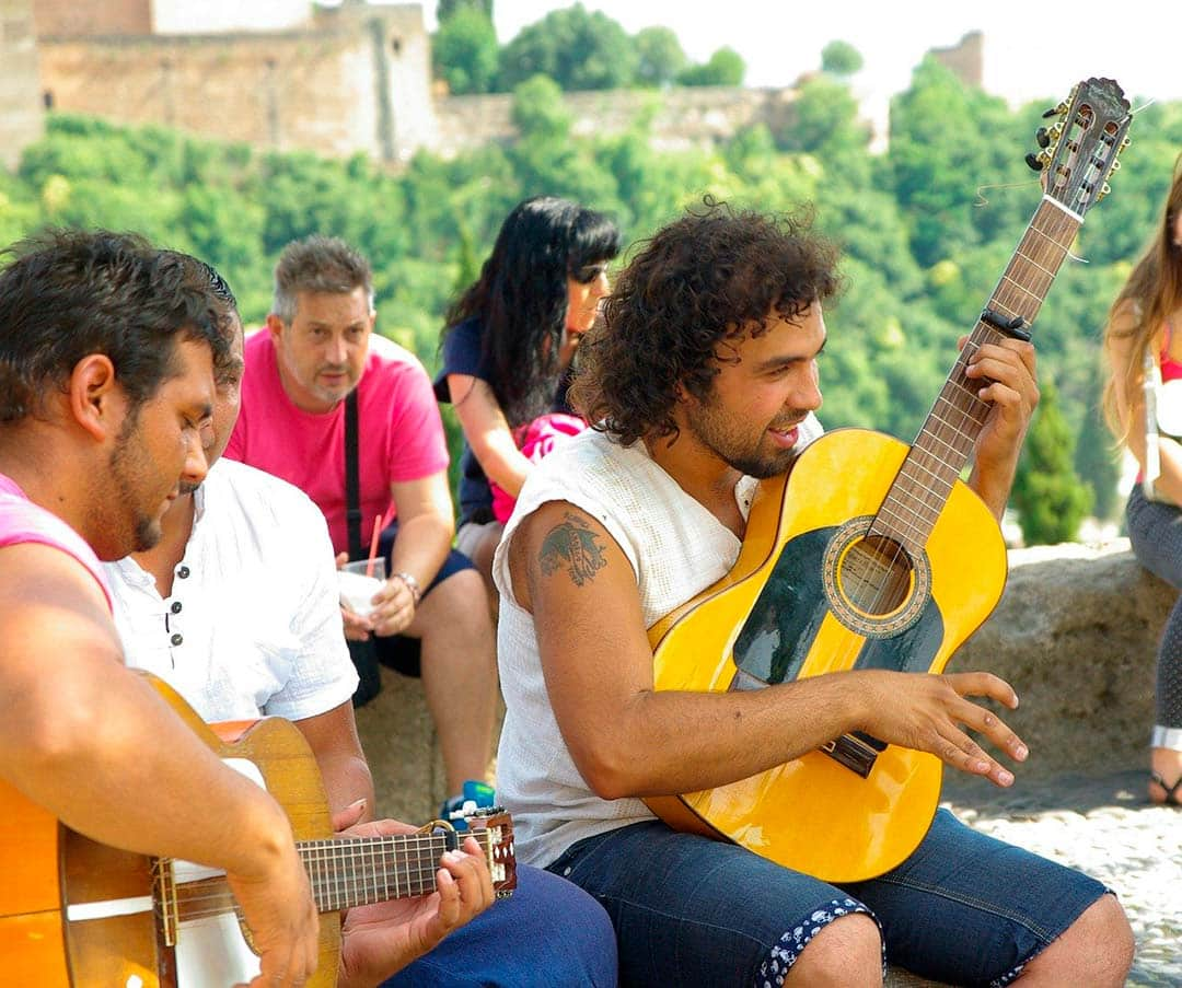 Flamenco guitarists in the Mirador de San Nicolas