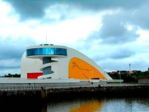 Centro Niemeyer en Avilés