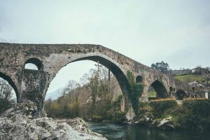 Famoso puente de Cangas de Onís, Asturias