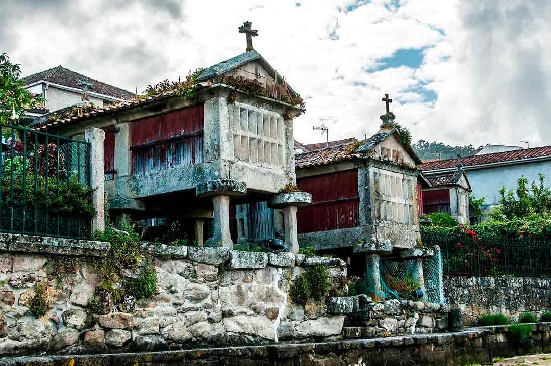 Hórreos en Combarros, Galicia