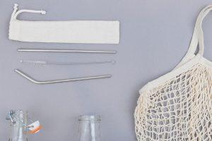 Pajitas de metal para sustituir el plástico