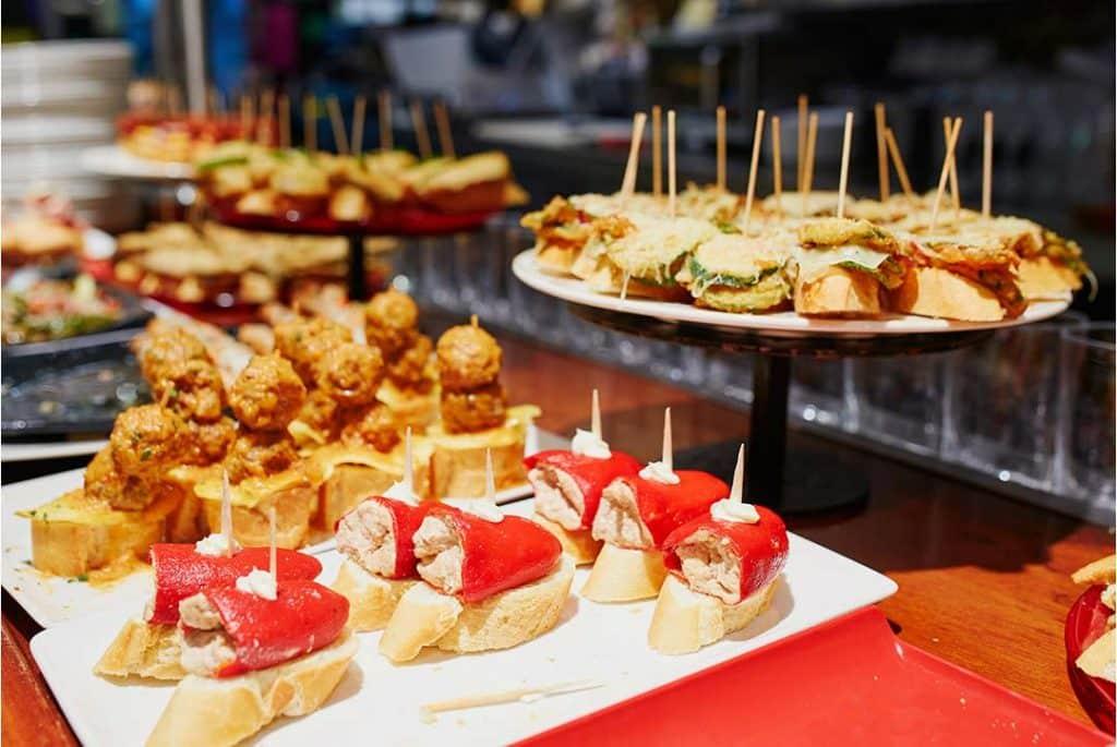 Pinchos en Logroño, típicos de la gastronomía de La Rioja
