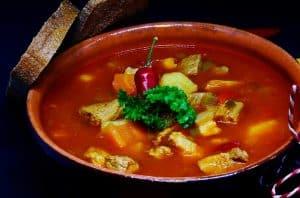 Sopa, plato típico de la gastronomía de Castilla y León