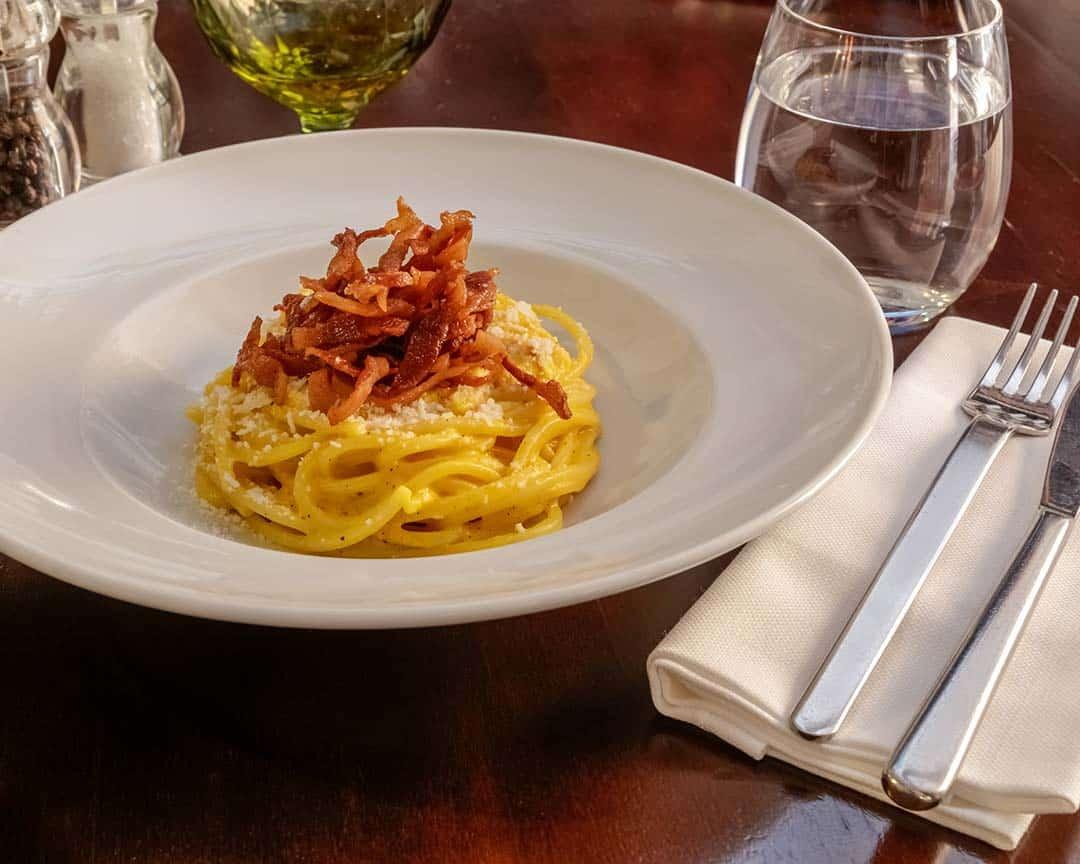 Plato de espaguetis en su día mundial, 4 de enero