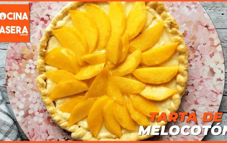 Tarta de melocotón con base de crema pastelera