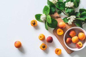 Albaricoques, fruta de temporada de primavera