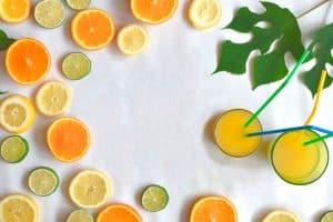 Cítricos son frutas de temporada de primavera