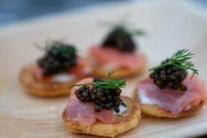 Blinis con caviar
