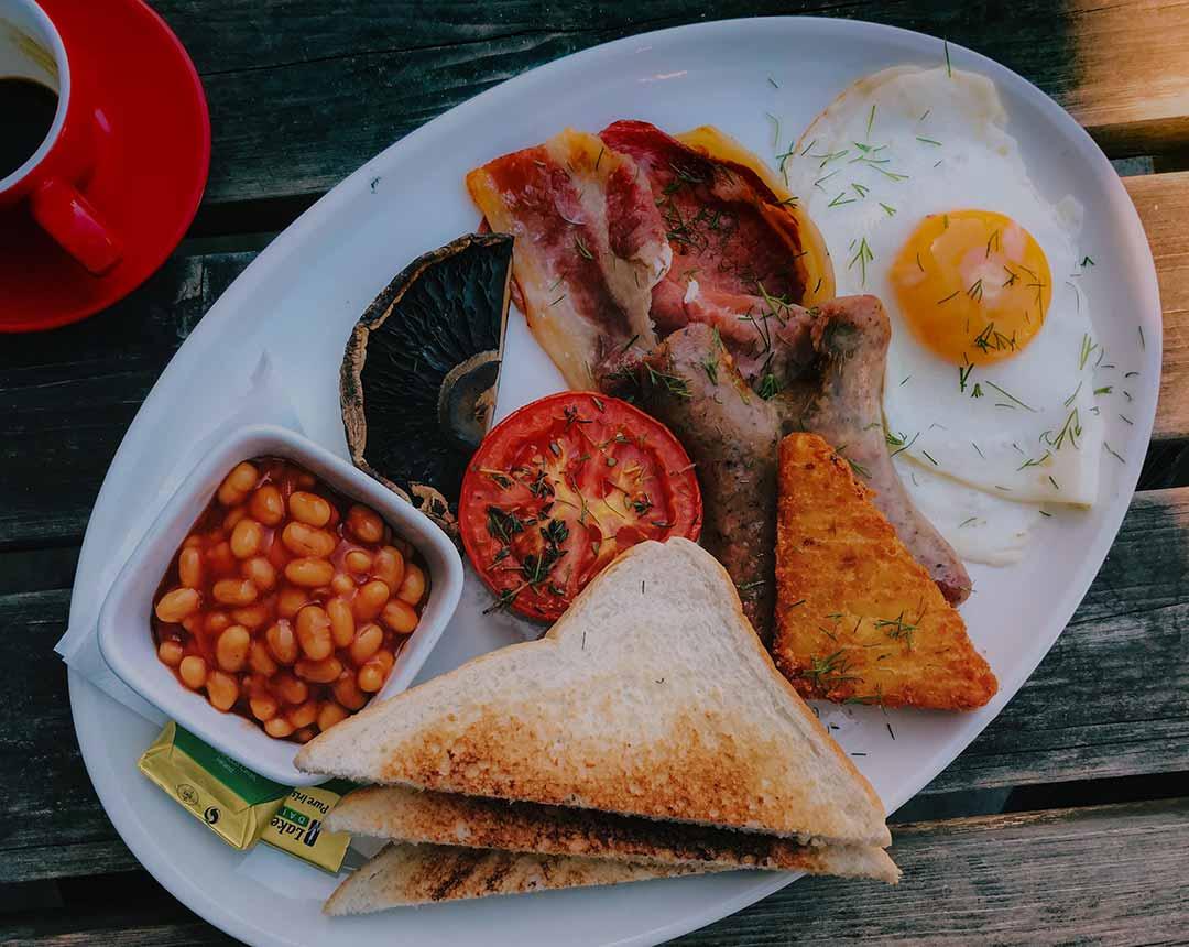 Desayuno típico inglés
