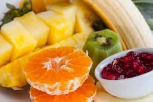 Fruta de invierno cortada