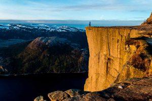Preikestolen en el fiordo Lysefjord de Noruega