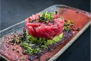 Tartar de atún rojo y aguacate