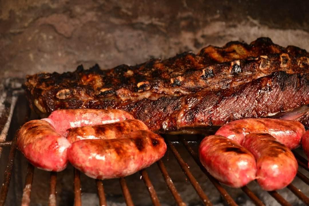 Asado típico de la comida argentina