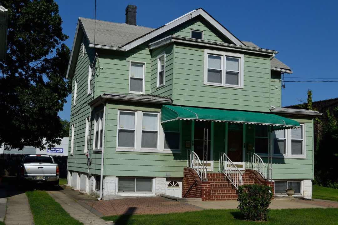 Casa típica en Queens, Nueva York