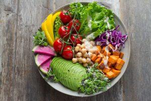 Ensalada con legumbre, dieta climática