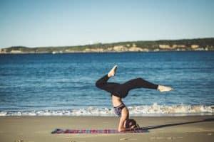 Combinar yoga con dieta ayúrveda